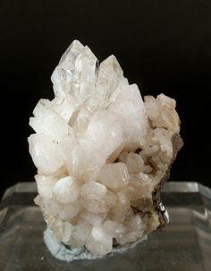 Hopeite. Kabwe Mine, Zentralprovinz, Sambia Taille=29 x 20 x 19 mm Photo Fabre…