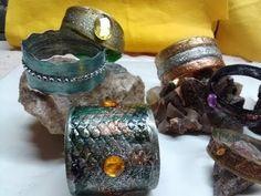 DIY: Bracelet from plastic bottle - Brazalete hecho con botella de plastico - YouTube