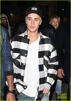 Justin Bieber Rehearses for Upcoming Performance on Brit Awards 2016: Photo #933407. Justin Bieber walks into Tape Nightclub surrounded by bodyguards on Tuesday night (February 23) in London, England. The 21-year-old