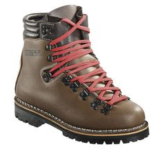 Color: nature Upper: Military cowhide leather, One - piece upper Lining: Leather Footbed: AIR-ACTIVE® SOFT PRINT drysole Sole: Vibram® Montagna Sole, genuine triple stitching (suitable for crampons) Size: 6 Tall Boots, Shoe Boots, Shoes Sandals, Heels, Halibut Fishing, Mountaineering Boots, Jack Wolfskin, Black Leather Boots, Shoes