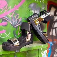 Frescas atrevidas sexys todoterreno y muy cómodas así son nuestras #sandalias con cuña DELAN. Solo aptas para chicas #SixtySeven.  Lo eres?  #sixtysevenshoes #newcollection #ss17 #summerinprogress #shoes #instashoes #shoestagram #highheels #stylish #shoe #shoesoftheday #shoelover #shoesaddict #fashionshoes #trendy #sandals #estilo #trend #tendencia