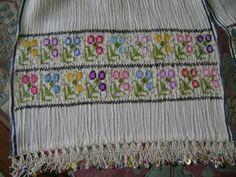 Bu ortuleri son birkac senedir isliyorum. herbir karesinde nese var,huzun var,ozlem var......... Belkide onun icin bana k... Bohemian Rug, Needlework, Traditional, Embroidery, Blanket, Crochet, Fabric, Home Decor, Crochet Hooks