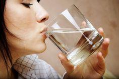 Bellezza : dieta dell'acqua perdi subito 4 chili in sette giorni