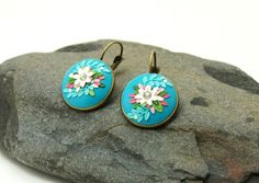 Blue dangle earrings white flower spring colors by Fankikas