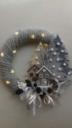 Easy Christmas Decorations, Diy Christmas Ornaments, Holiday Wreaths, Christmas Art, Christmas Projects, Simple Christmas, All Things Christmas, Christmas Holidays, Advent Wreaths