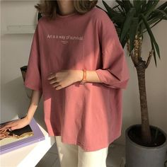 Buy Shinsei Oversized Lettering T-Shirt - Hübsche Klamotten - Mode Curvy Outfits, Mode Outfits, Korean Outfits, Boyish Outfits, Legging Outfits, Outfit Jeans, Oversized Tshirt Outfit, Baggy Tshirt Outfit, Oversized Clothing
