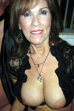 Older women that love cock