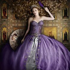 Purple is my fancy. And this fancy will possibly be making in embroidery, tapestry, silk, even with lavish details and the material with shining gold. In this year the ornate and baroque styling will keep bringing more pleasantly surprised for our eyes.