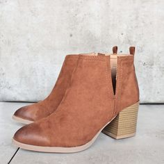 side slit chelsea ankle booties - camel - shophearts
