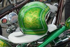 Old School Custom Chopper Chopper Helmets, Cool Motorcycle Helmets, Cool Motorcycles, Harley Davidson Motorcycles, Cafe Racer Helmet, Helmet Paint, St Paddys Day, Pinstriping, Kustom