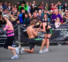 At the finish line. | 33  Awesome Marriage Proposals You Couldn't Say No To