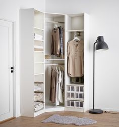 PAX fataskápur Walk In Closet Design, Bedroom Closet Design, Wardrobe Design, Closet Designs, Corner Wardrobe Closet, Ikea Closet, Bedroom Wardrobe, Home Decor Furniture, Home Decor Bedroom