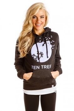 Ten Tree Apparel - For each item bought, 10 trees are planted. I REALLY want this sweater. I basically want everything on this site. Cozy Fall Outfits, Cute Outfits, Work Outfits, Adventure Outfit, Adventure Clothing, Casual Fall, Casual Wear, Autumn Winter Fashion, Spring Fashion
