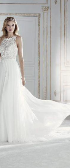 gefunden bei Happy Brautmoden Brautkleid elegant, elegantes Brautkleid, La Sosa by Pronovias, Spitze, Spitzenkleid, edel, elegant, fließend, Rückenausschnitt, Hochzeitskleid
