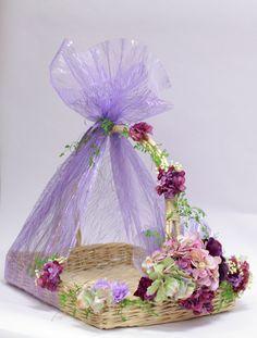 Basket decoration 😍 For details inbox us📨 Desi Wedding Decor, Indian Wedding Decorations, Wedding Crafts, Wedding Gift Baskets, Wedding Gift Wrapping, Wedding Plates, Wedding Boxes, Wedding Ideas, Trendy Wedding