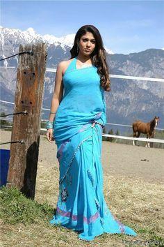 Nayanthara In Saree, Nayanthara Hairstyle, Most Beautiful Indian Actress, Beautiful Actresses, Beautiful Heroine, Beautiful Women Pictures, Beautiful Girl Image, Indian Actress Images, Indian Actresses