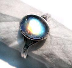 Twilight Movie Inspierd Bellas Rainbow Moonstone Ring . Genuine 925 Sterling Silver Ring Gemstone - High Quality Blue Flashy Rainbow Moonstone