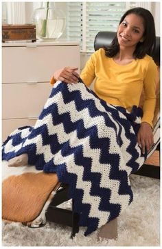 Comfy Chevron Crochet Blanket | A wonderfully easy crochet afghan pattern that looks great draped over your couch and is comfy to snuggle with!