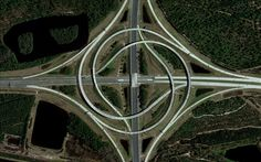 A turbine interchange connects the SR 9A and SR 202 in Jacksonville, Florida, USA. Image Courtesy of DigitalGlobe
