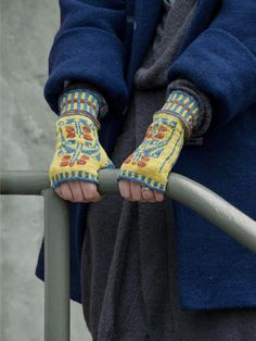 Ravelry: Designs by Tiina Kaarela Fingerless Mittens, Knit Mittens, Wrist Warmers, Hand Warmers, Fair Isle Knitting, Ravelry, Knit Crochet, Knitting Patterns, Needlework