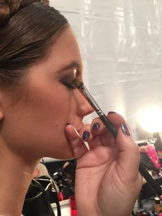 Blending & blending backstage for that perfect lid with Maybelline #NYFW