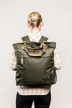 Functions as either a backpack or tote bag thanks to hidden straps. Lightweight recycled polyester, stain- and water-resistant DWR finish. Tote Bags For College, Carry On Tote, Minimalist Bag, Home Design, Convertible Backpack, Tote Backpack, Bag Accessories, Designer, Herschel Luggage