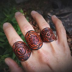 Leather Carving, Leather Art, Leather Cuffs, Leather Design, Leather Tooling, Leather Jewelry, Tan Leather, Custom Leather, Tooled Leather