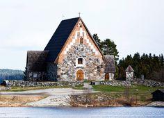 Sastamalasta ovat lähteneet monet tunnetut suomalaiset vaikuttajat - unohtamatta tietenkään Mauri Kunnaksen Herra Hakkaraista. Lue lisää: