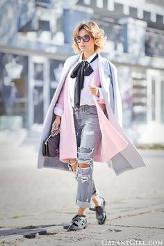 bow+tie+outfit-with-ripped+jeans-and-vintage+chanel+bag