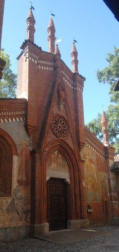 Torino: Borgo Medievale la Chiesa