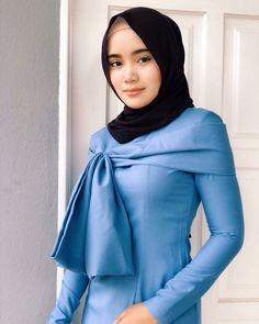 Beautiful Hijab Girl, Beautiful Muslim Women, Beautiful Asian Girls, Beautiful Cats, Hijab Teen, Girl Hijab, Kebaya Hijab, Hijab Dress Party, Hijab Collection