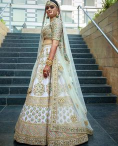 ideas indian bridal lehenga white and red Sabyasachi Lehenga Bridal, Lehenga Dupatta, Indian Bridal Lehenga, Indian Bridal Outfits, Indian Bridal Wear, Red Lehenga, Indian Dresses, Patiala Salwar, Bridal Dresses