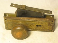 antique-Yale-AS185-door-hardware-matching-back-plates-plate-knobs-knob-lock