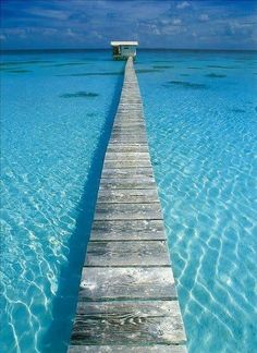 Tahiti = Heaven on Earth!!! <3 Its no wonder that some of the most beautiful gems on earth come from these waters!