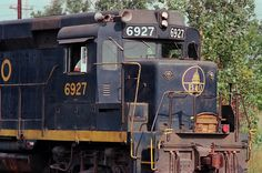 B&O - Calumet Park, IL by d.w.davidson on Flickr. Baltimore & Ohio GP30 No. 6927 heads east at Calumet Park, Illinois, in August 1982. Photo by D.W. Davidson