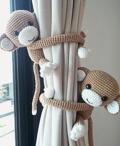 https://www.etsy.com/listing/184460037/monkey-curtain-tie-back-cotton-yarn?ref=shop_home_active_1                                                                                                                                                                                 Mais