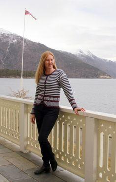 Nata Mohn Cardigans, Sweaters, Knit Crochet, Knitting, Fashion, Poppy, Moda, Tricot, Fashion Styles