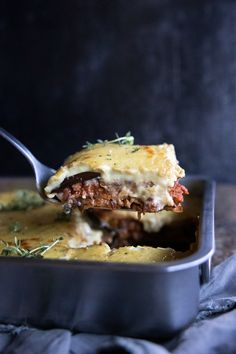 Vegan Moussaka by The Minimalist Vegan. This vegan moussaka can be served hot or cold. Enjoy the wonderful flavours of eggplant, potatoes layered with a mushroom and lentil ragu and topped with a creamy vegan béchamel. #veganmoussaka #dairyfreemoussaka #vegangreekrecipes Lentil Ragu, Vegan Moussaka, Sliced Potatoes, Bechamel, Lentils, Eggplant, Vegan Vegetarian, Dairy Free, Vegan Recipes