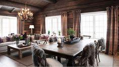 FINN Særdeles vakker tømmerhytte 3 bad ski inn/out til alpin/langrenn og Log Cabin Living, Log Cabin Homes, Home Living, Living Room, Cabin Interiors, Rustic Interiors, Chalet Interior, Interior Design, Construction Chalet