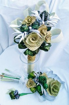 Weddings - Fabulous Flax Flower Bouquets and Arrangements Flax Weaving, Basket Weaving, Flower Bouquet Wedding, Rose Bouquet, Wedding Decorations On A Budget, Wedding Ideas, Maori Patterns, Unicorn Cupcakes Toppers, Flax Flowers