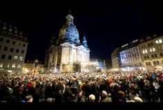 #Christmas #Navidad 2013: Miles de personas celebrando la Noche Buena en Alemania