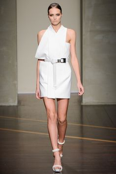 Gianfranco Ferré Spring 2013 Ready-to-Wear Fashion Show - Agne Konciute