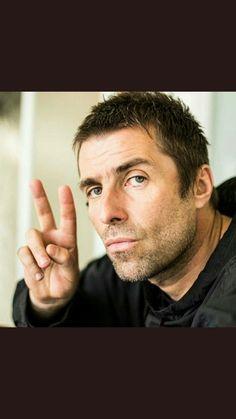 Liam G Gene Gallagher, Lennon Gallagher, Liam Gallagher Oasis, Men Fashion, Fashion Ideas, Liam And Noel, Beady Eye, Older Man, It Takes Two