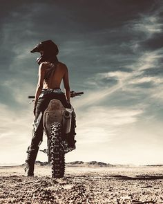 Freedom Rides 💀 - Heels and wheels - Motorrad Dirt Bike Girl, Girl Bike, Scooter Girl, Motorbike Girl, Motorcycle Bike, Motorcycle Quotes, Fz Bike, Trike Bicycle, Wooden Bicycle