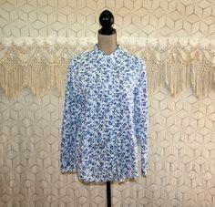 Plus Size Button Up Shirt XL Blue and White by MagpieandOtis