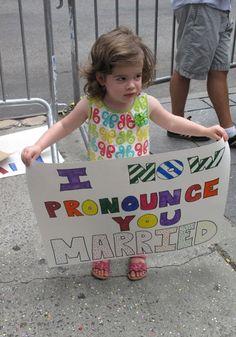 Тысячи жителей Нью-Йорка протестовали против закона о гомосексуальных браках Gay, America, Let It Be, People, People Illustration, Usa, Folk