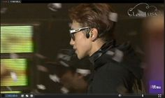 [live streaming capture] Rain at The Squall World Tour concert stop in Shanghai. (12/26/15)
