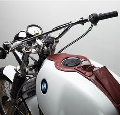 1000 ideas about motorcycle tank on pinterest custom paint motorcycles and chopper. Black Bedroom Furniture Sets. Home Design Ideas