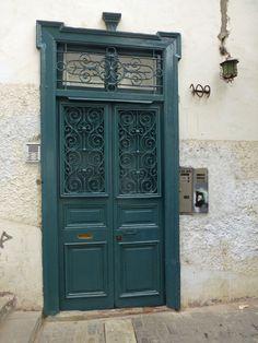 Aquamarine chic door in Lima, Peru