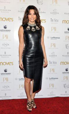 Gina Gershon ha indossato un total look di Bally della collezione autunno - inverno 2012/2013 in occasione del The Moves Power Women Awards Gala 2012.